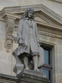 520px-Libéral_Bruant_statue_au_Louvre_v2